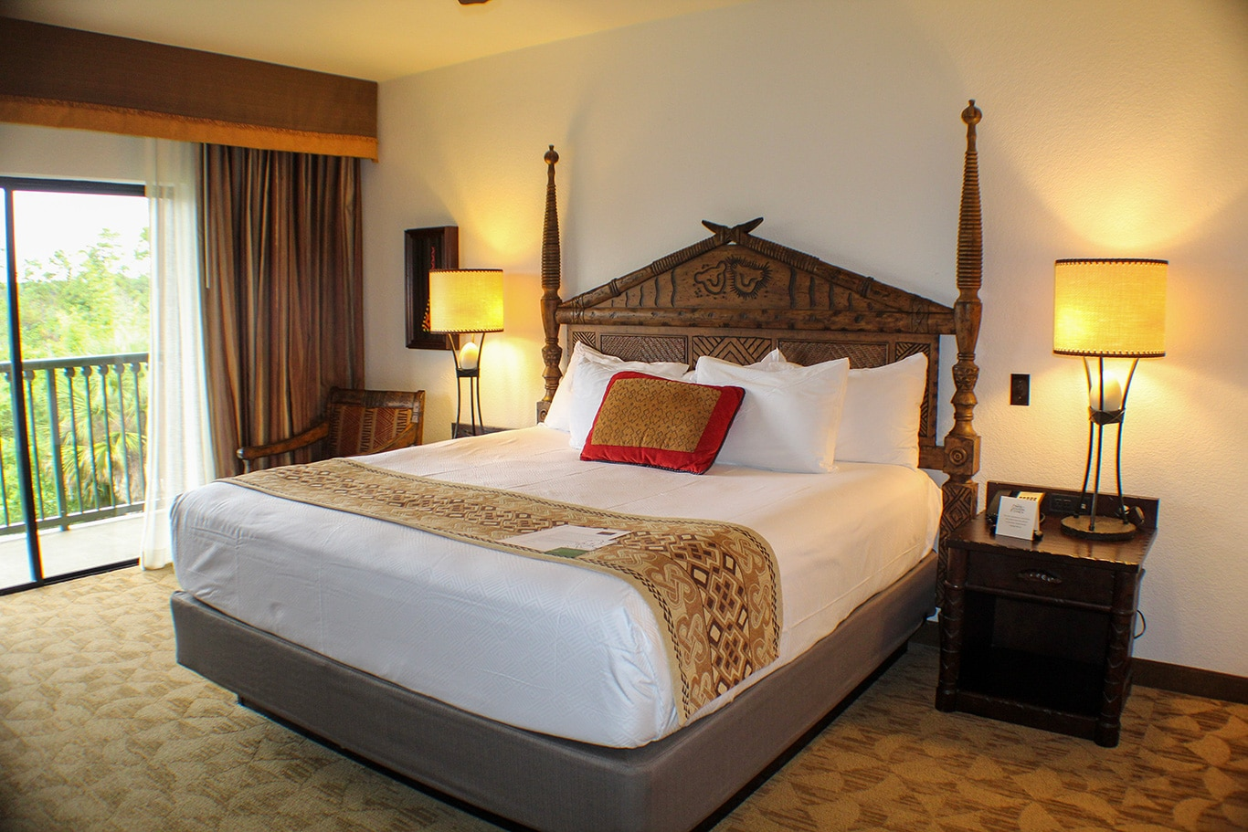 Disney's-Animal-Kingdom-Lodge-Villas-Bedroom