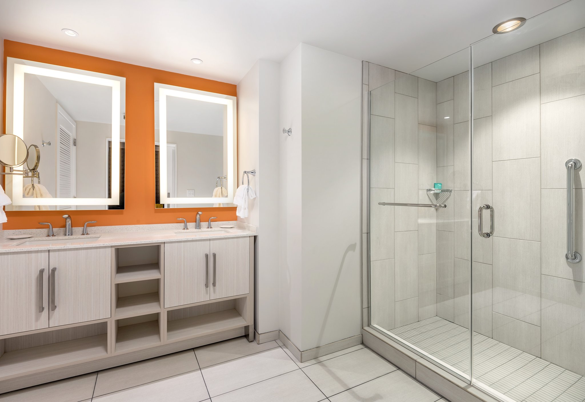 Wyndham Clearwater Beach Resort Bathroom