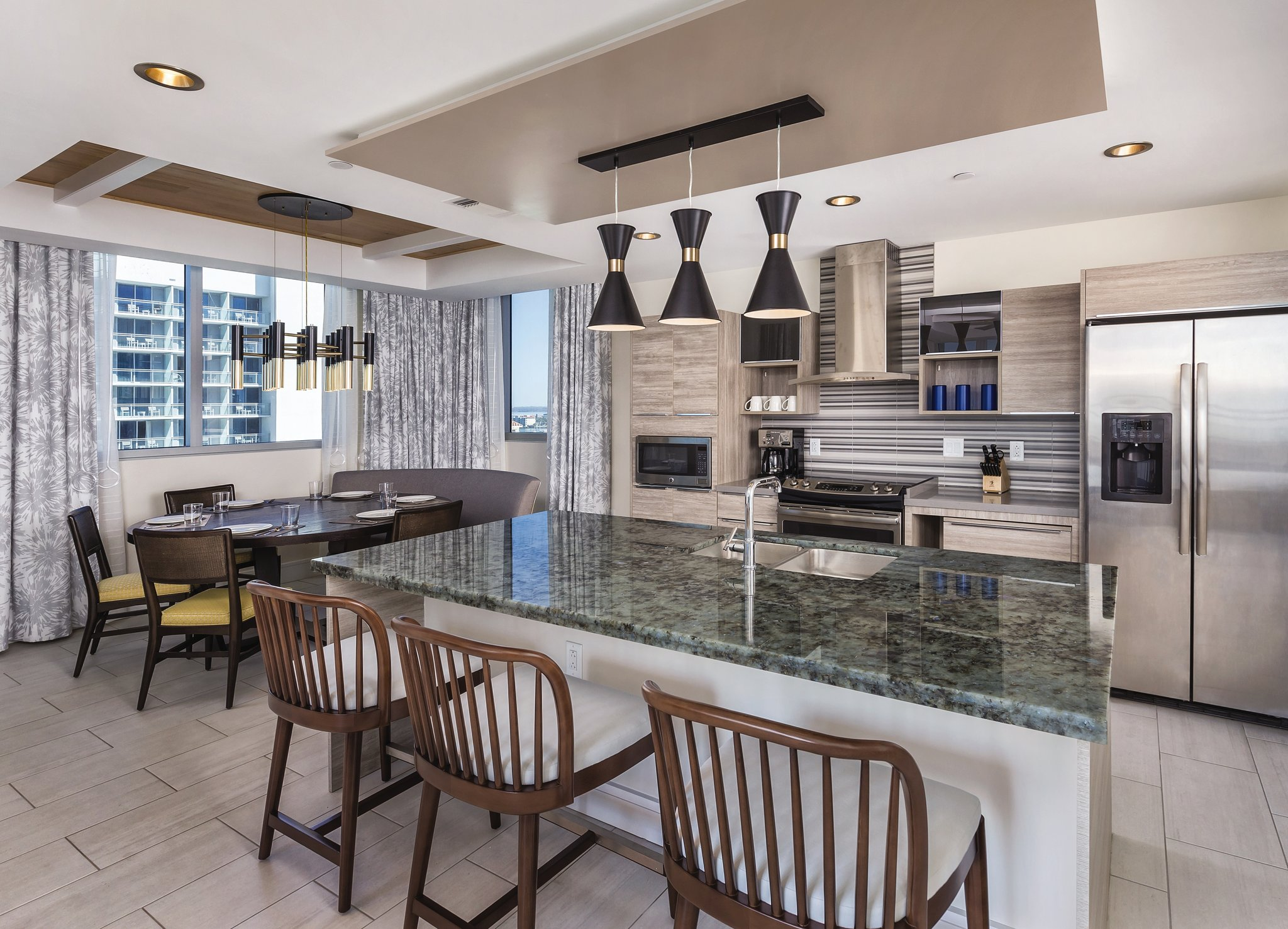 Wyndham Clearwater Beach Resort Kitchen and Dining