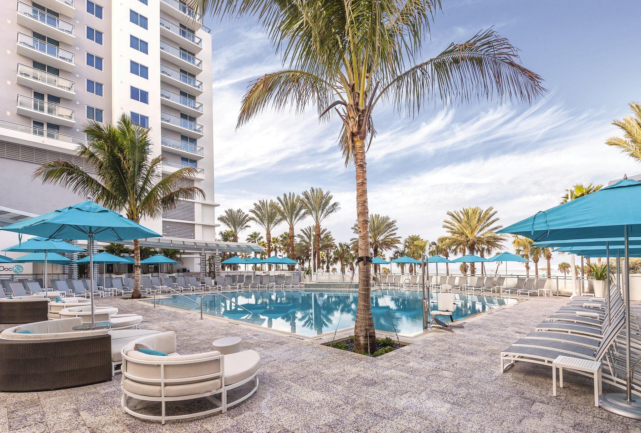 Wyndham Clearwater Beach Resort Pool View