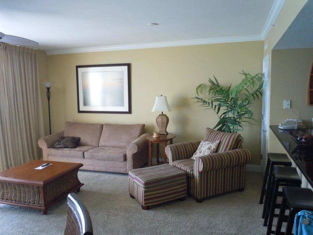 Club Wyndham Emerald Beach Resort Living Room
