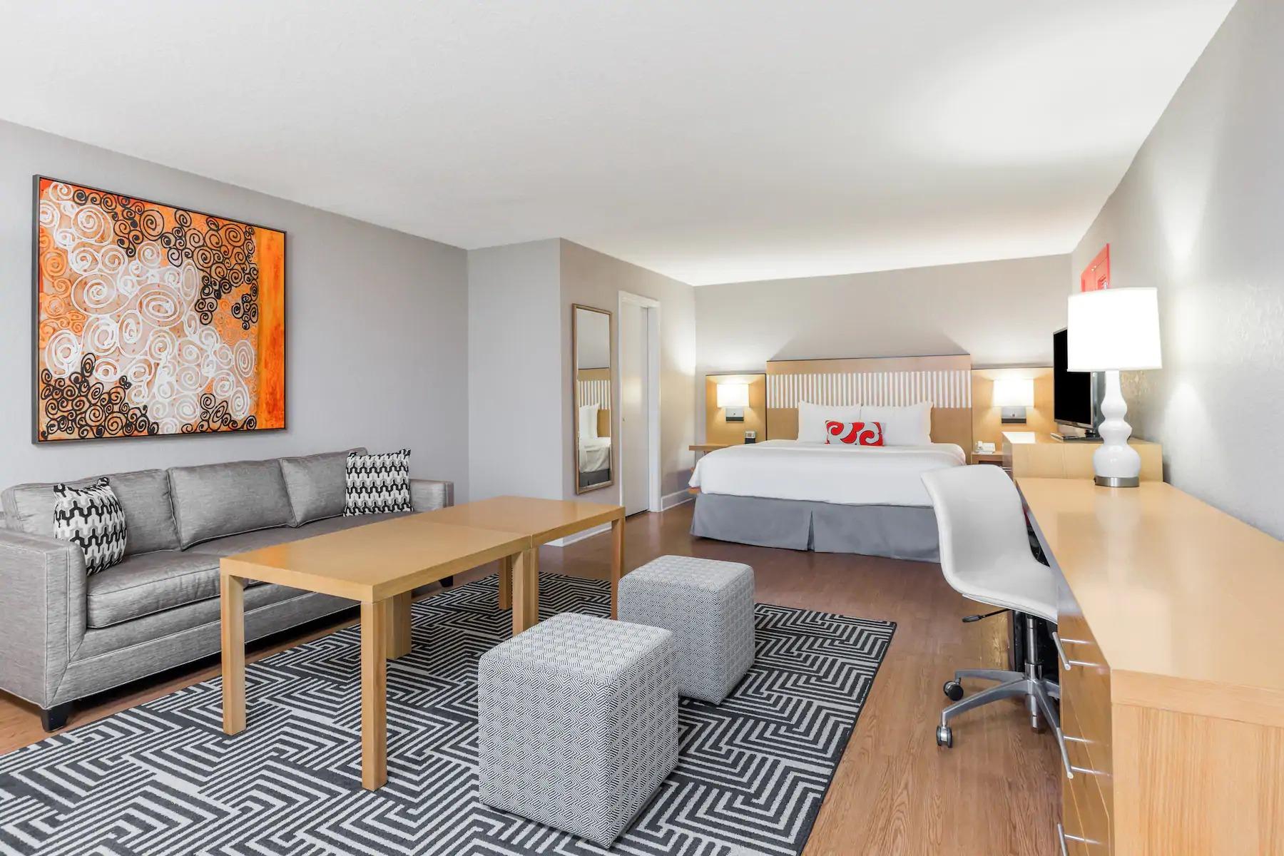 Club Wyndham Orlando Resort International Drive Bedroom and Living