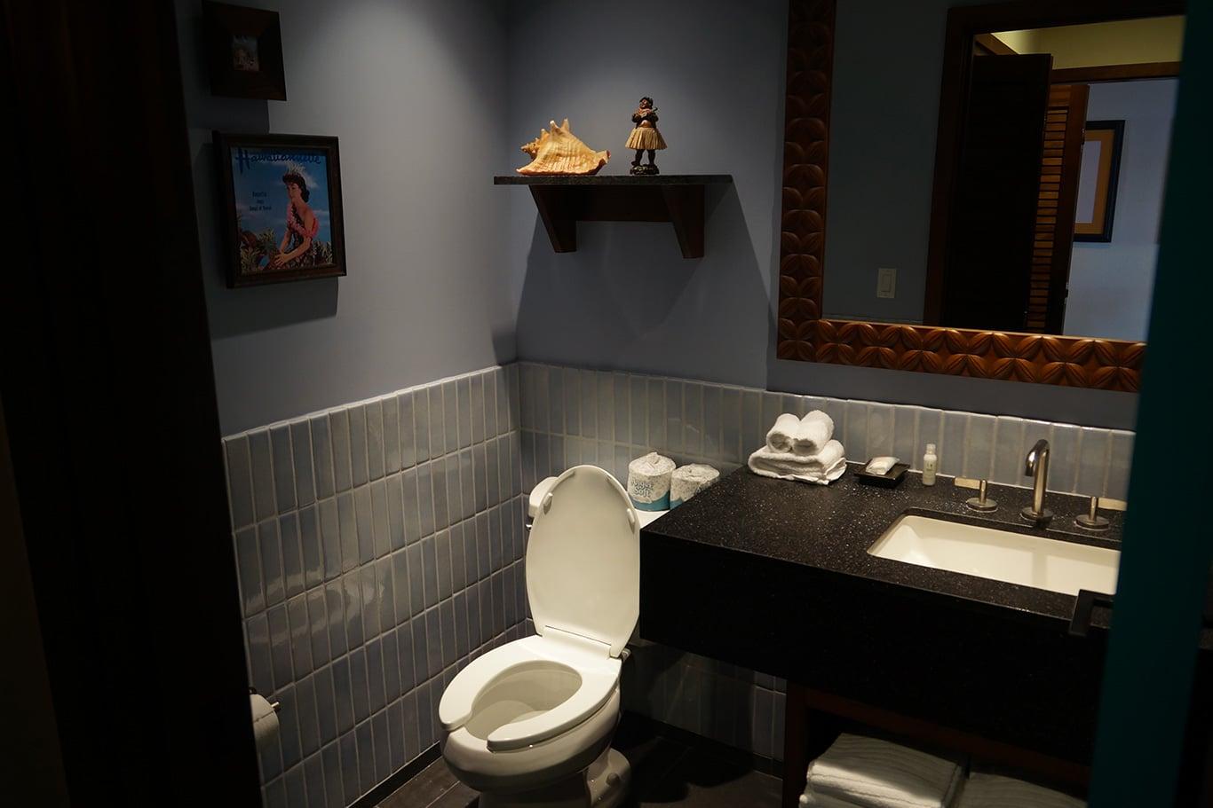 Disney's Polynesian Villas and Bungalows Bathroom