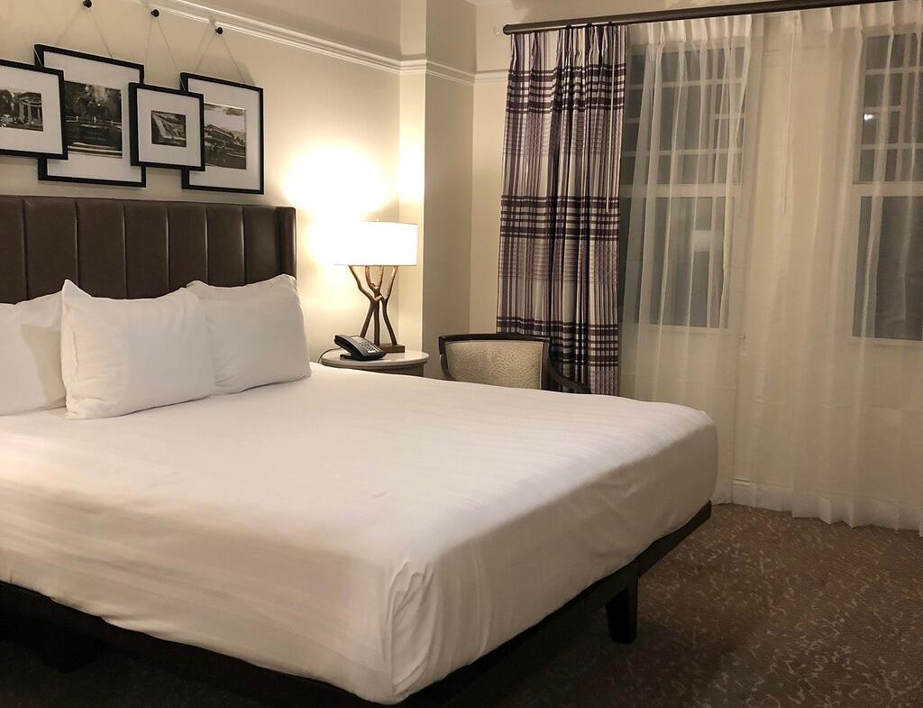 Disney's Saratoga Springs Resort and Spa Single Bedroom