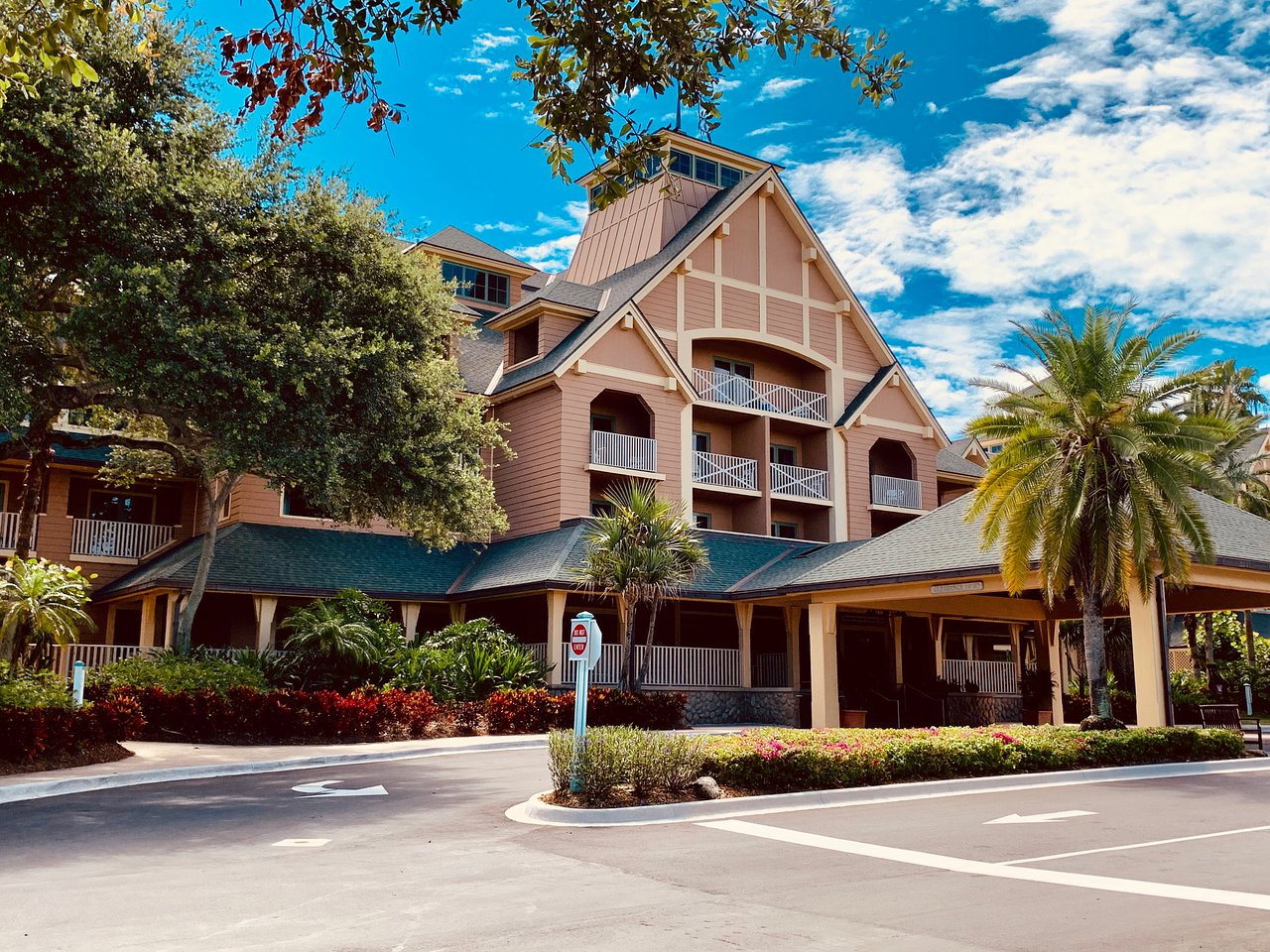 Disney's Vero Beach Resort Entrance
