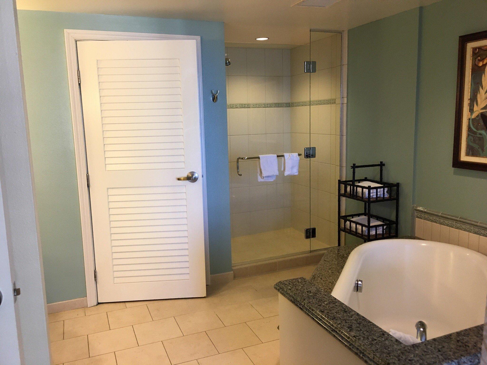 Grand Waikikian by Hilton Grand Vacations Master Bath