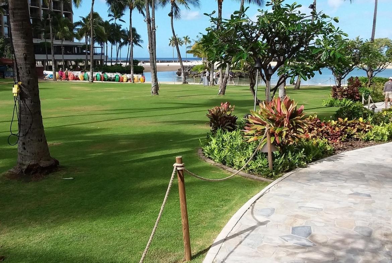 Grand Waikikian by Hilton Grand Vacations Outside