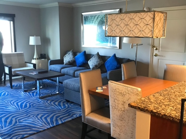 Hilton Grand Vacations on the Las Vegas Strip Dining Area