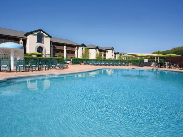 Holiday Inn Club At Lake Geneva Pool