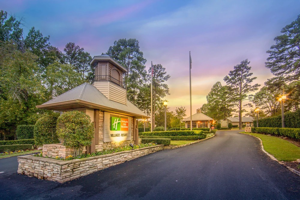 Holiday Inn Club Vacations Villages Resort Sign