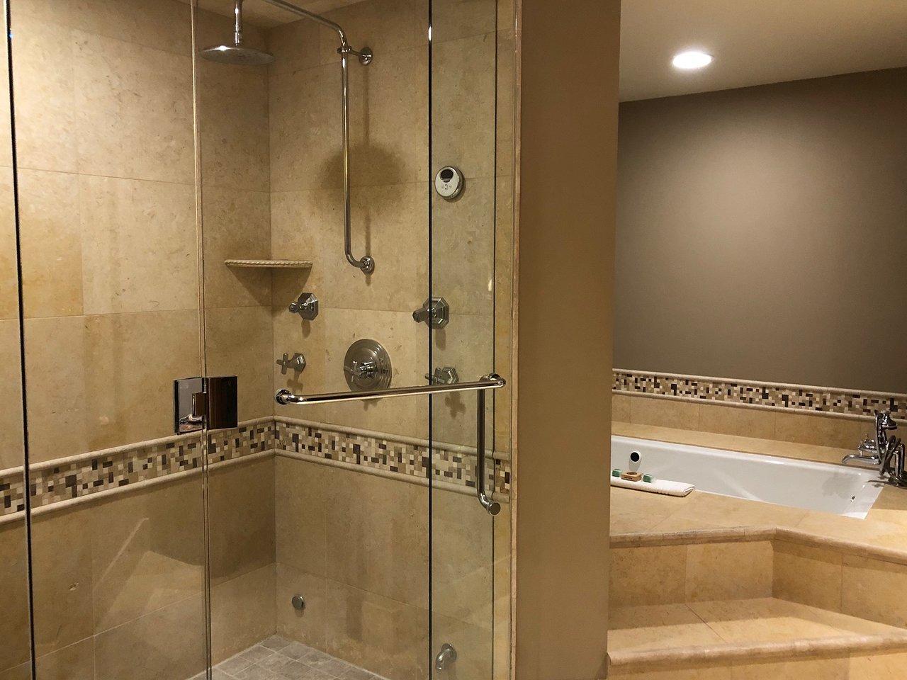 Hyatt Grand Aspen Bathroom