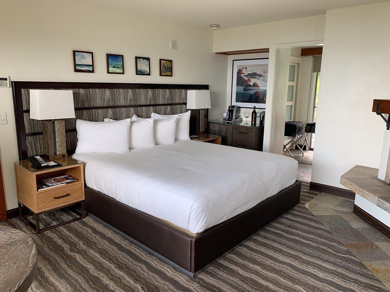 Hyatt Highlands Inn Bedroom