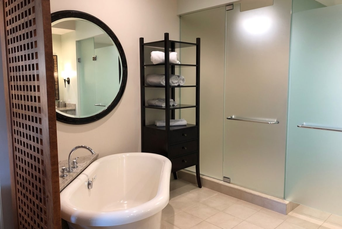 Kings' Land by Hilton Grand Vacations Bathroom