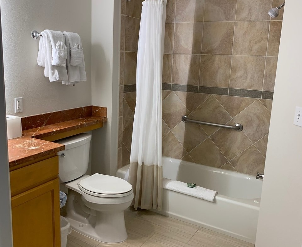 Marriott's Newport Coast Villas Bathroom
