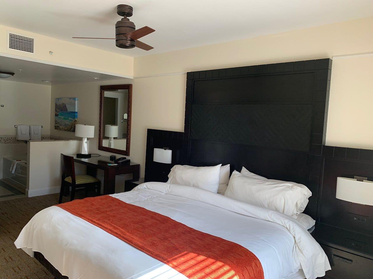 Marriott's Waiohai Beach Club Bed