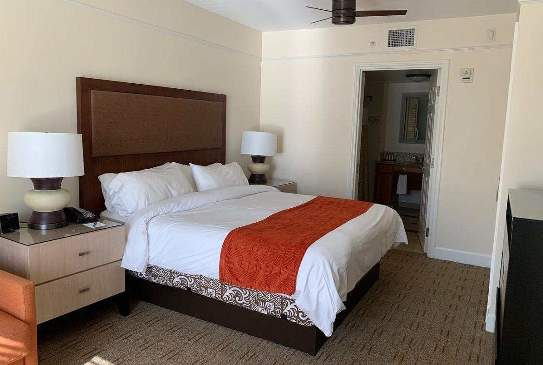 Marriott's Waiohai Beach Club Bedroom