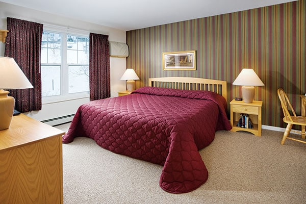 Smugglers' Notch Sycamores Single Bedroom King