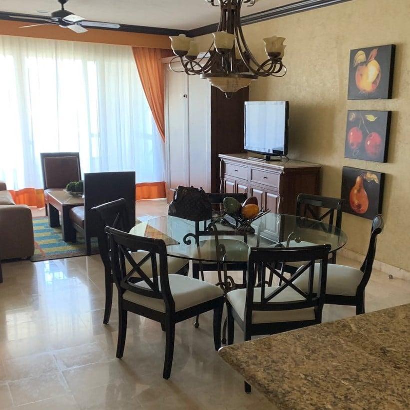 Villa Del Palmar Cancun Dining and LIving Room