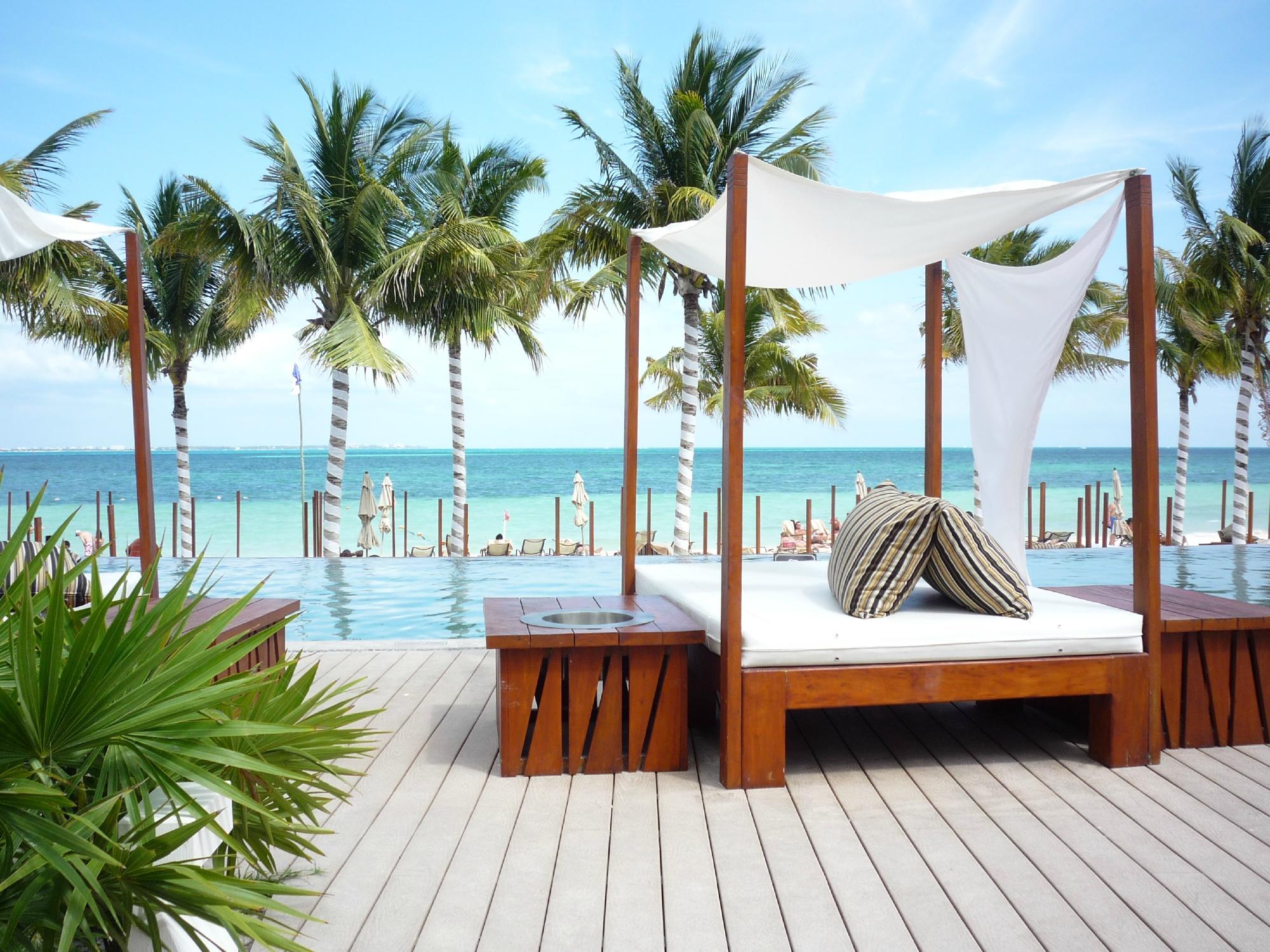 Villa Del Palmar Cancun Pool and Cabana
