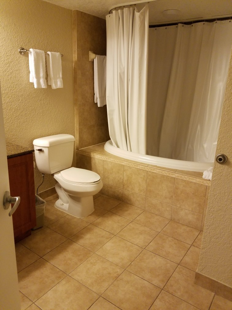 Alhambra Villas At Poinciana Bathroom
