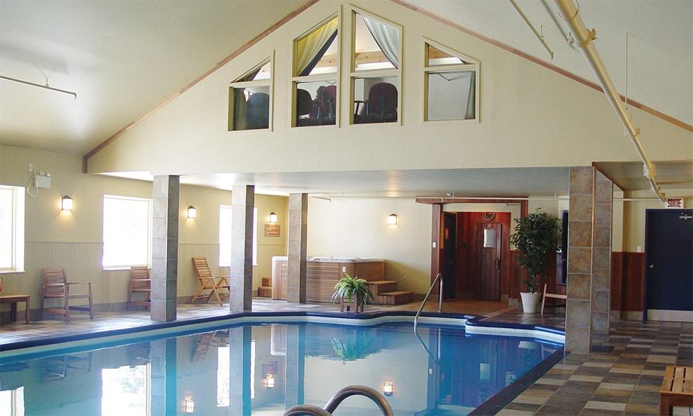 Club Geopremiere At Auberge Du Lac Morency Indoor Pool