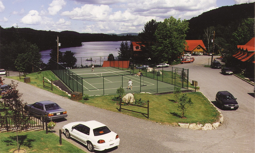 Club Geopremiere At Auberge Du Lac Morency Tennis Courts