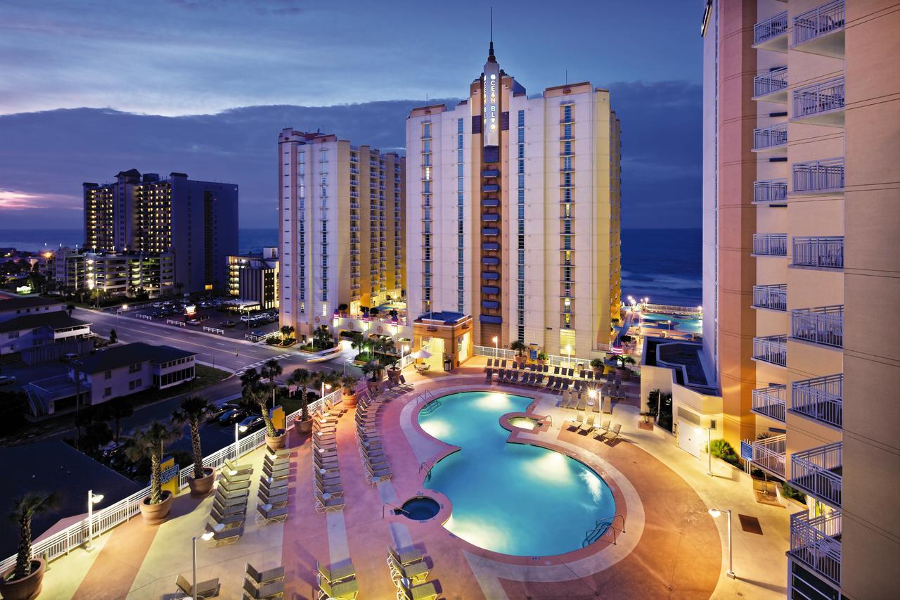 Club Wyndham Ocean Boulevard Pool Night