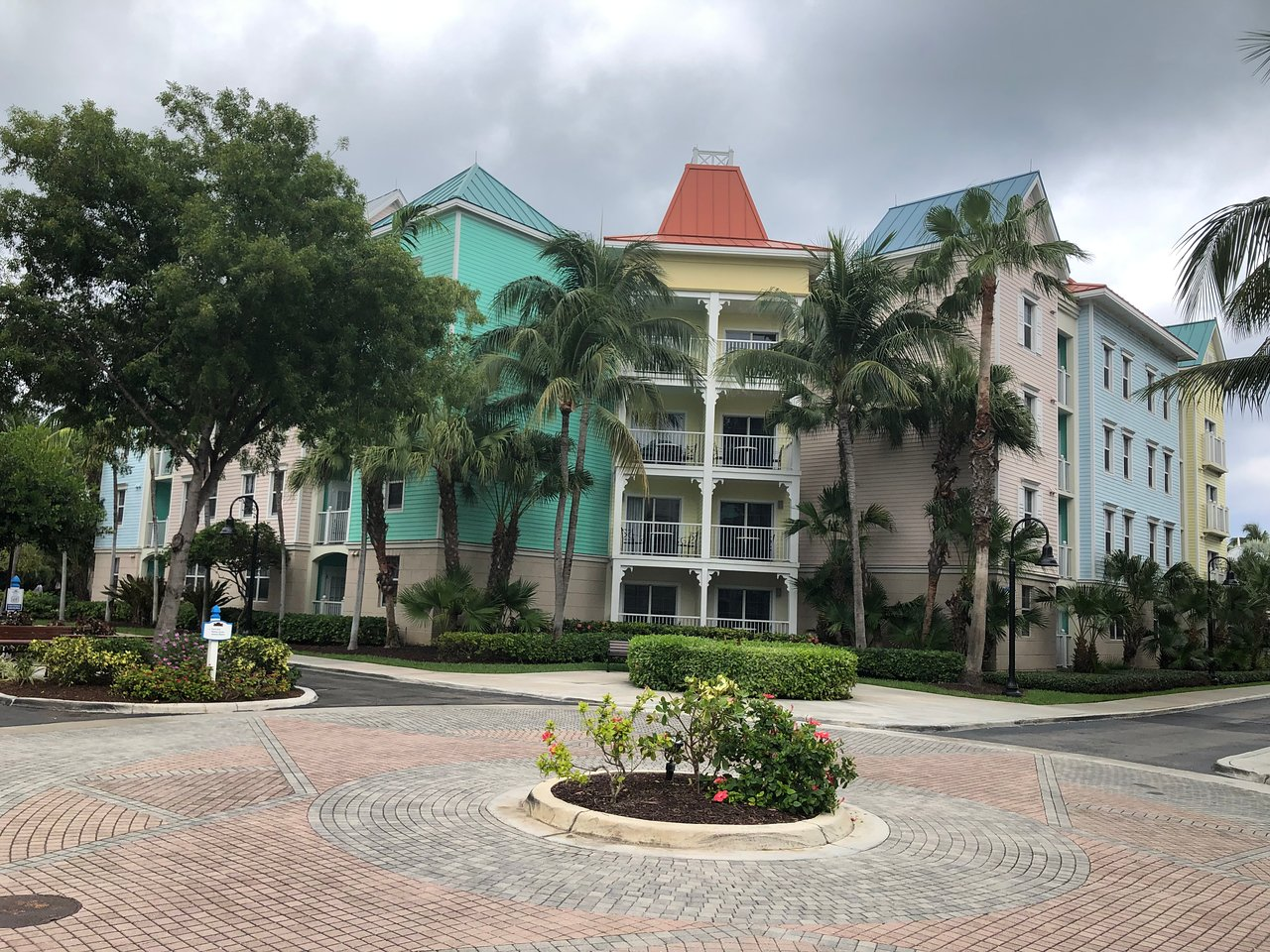 Harborside Resort At Atlantis Exterior