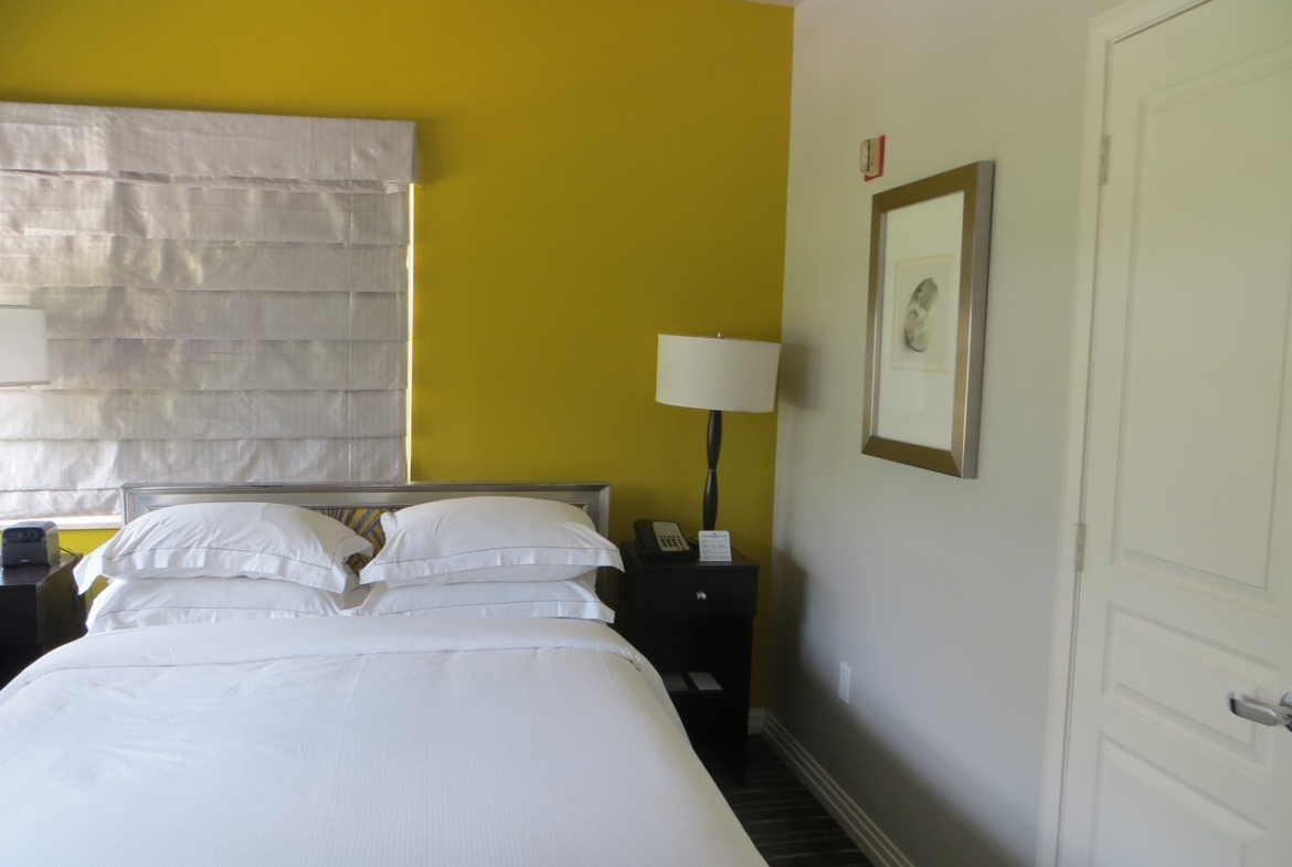 Hilton Grand Vacations at McAlpin-Ocean Plaza Bed Area