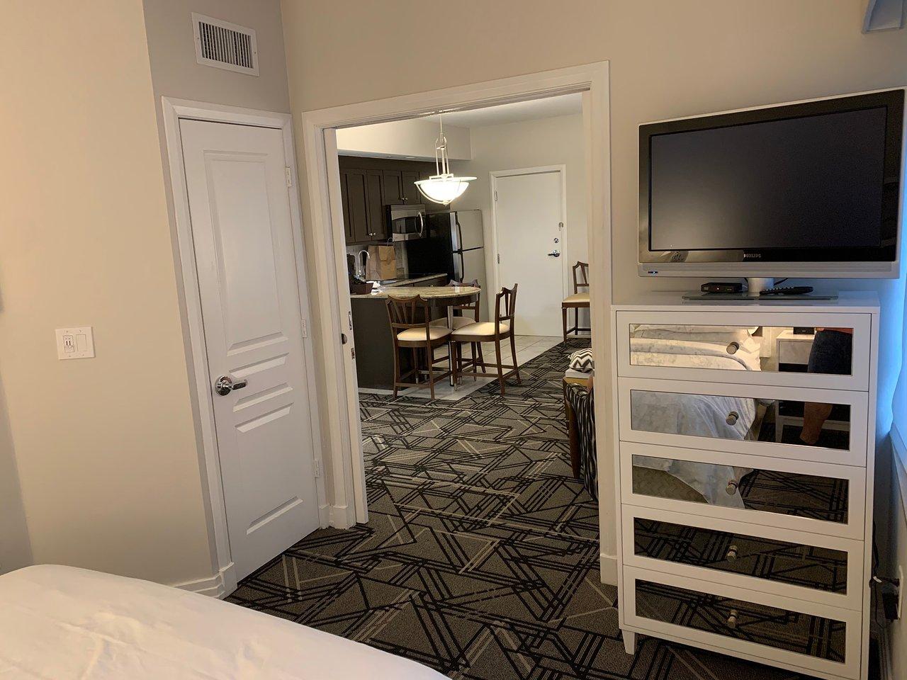 Hilton Grand Vacations at McAlpin-Ocean Plaza Bed