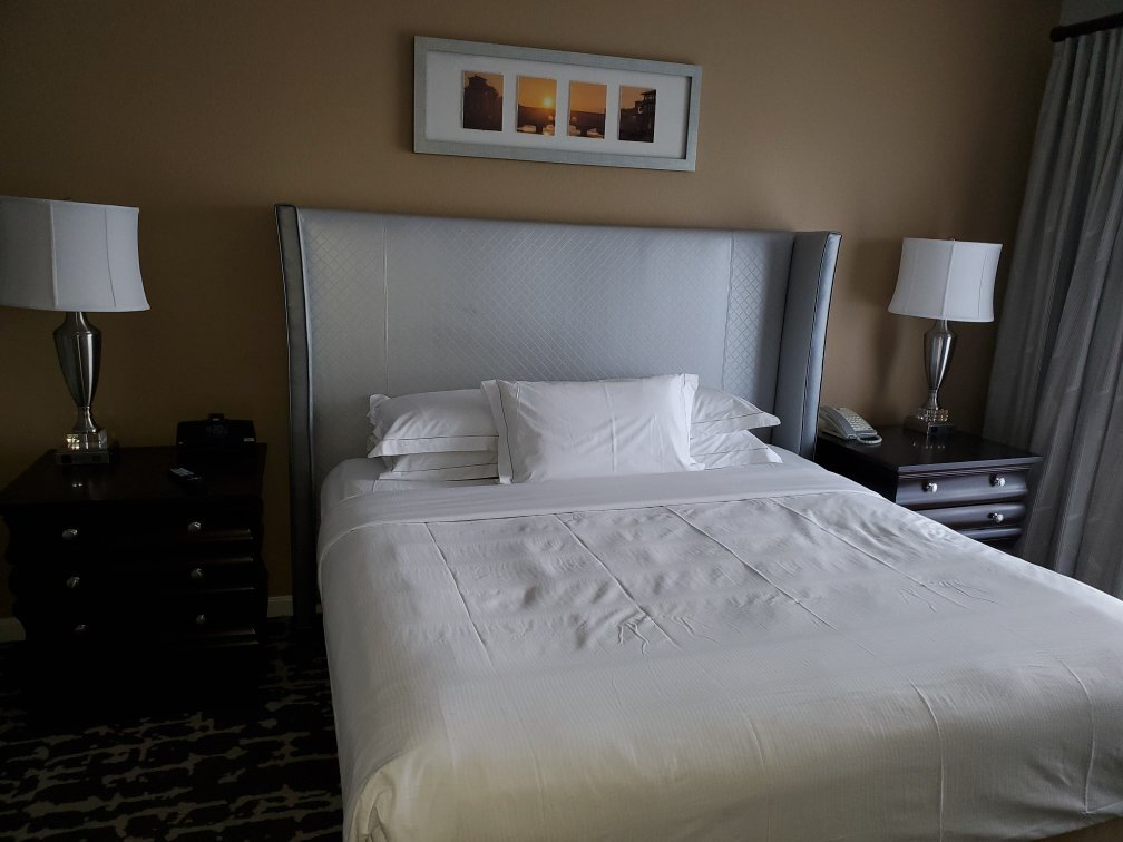 Hilton Grand Vacations at Tuscany Village Bed