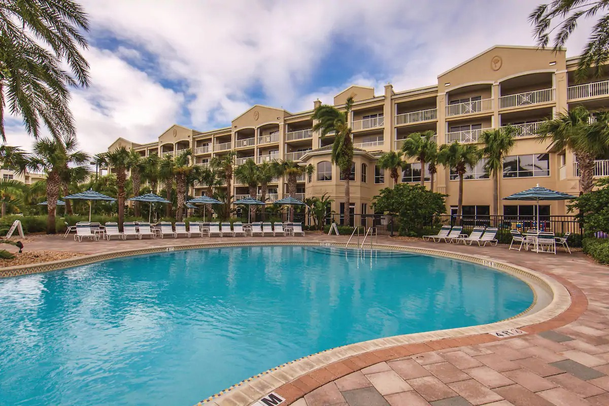 Holiday Inn Club Vacations Cape Canaveral Beach Resort Exterior
