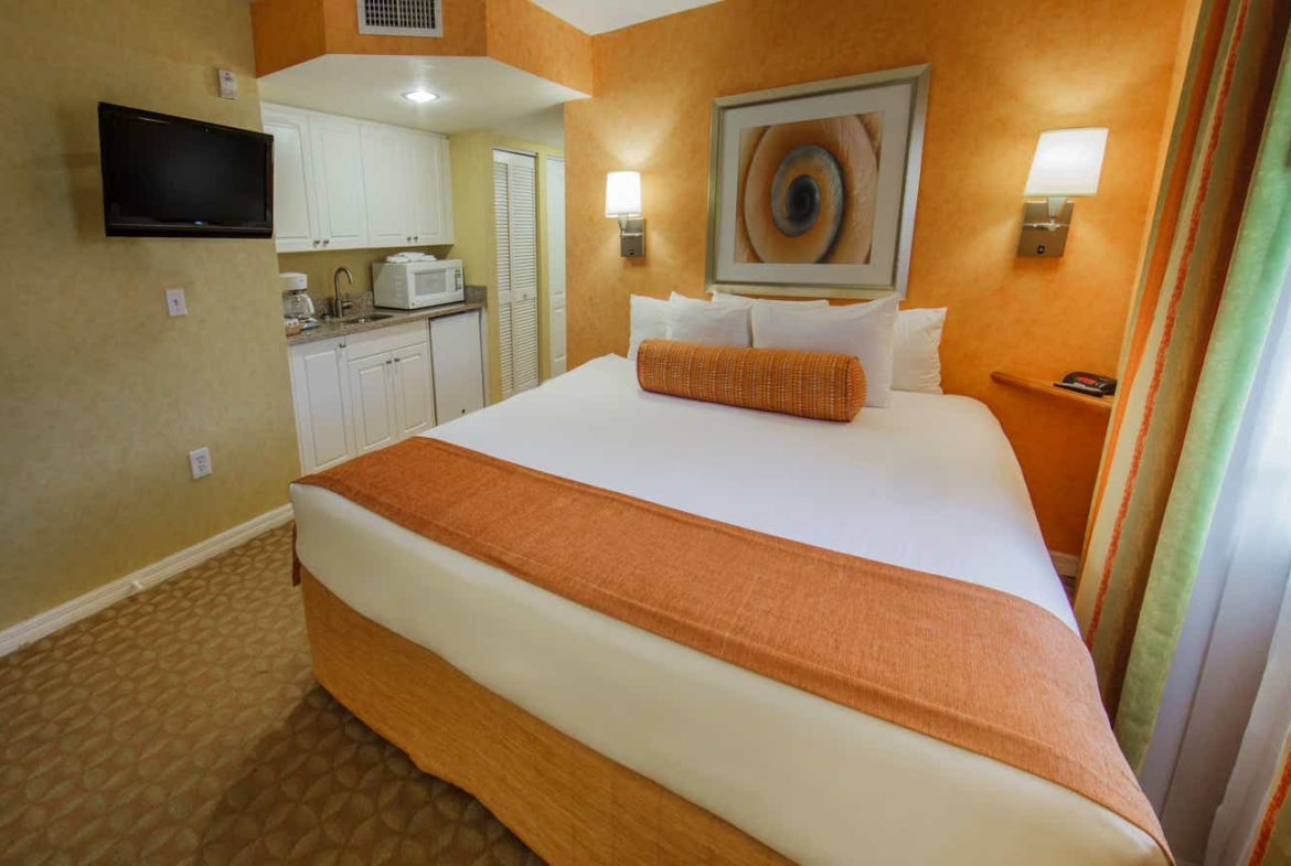 Holiday Inn Club Vacations Cape Canaveral Beach Resort Lock-off Bed