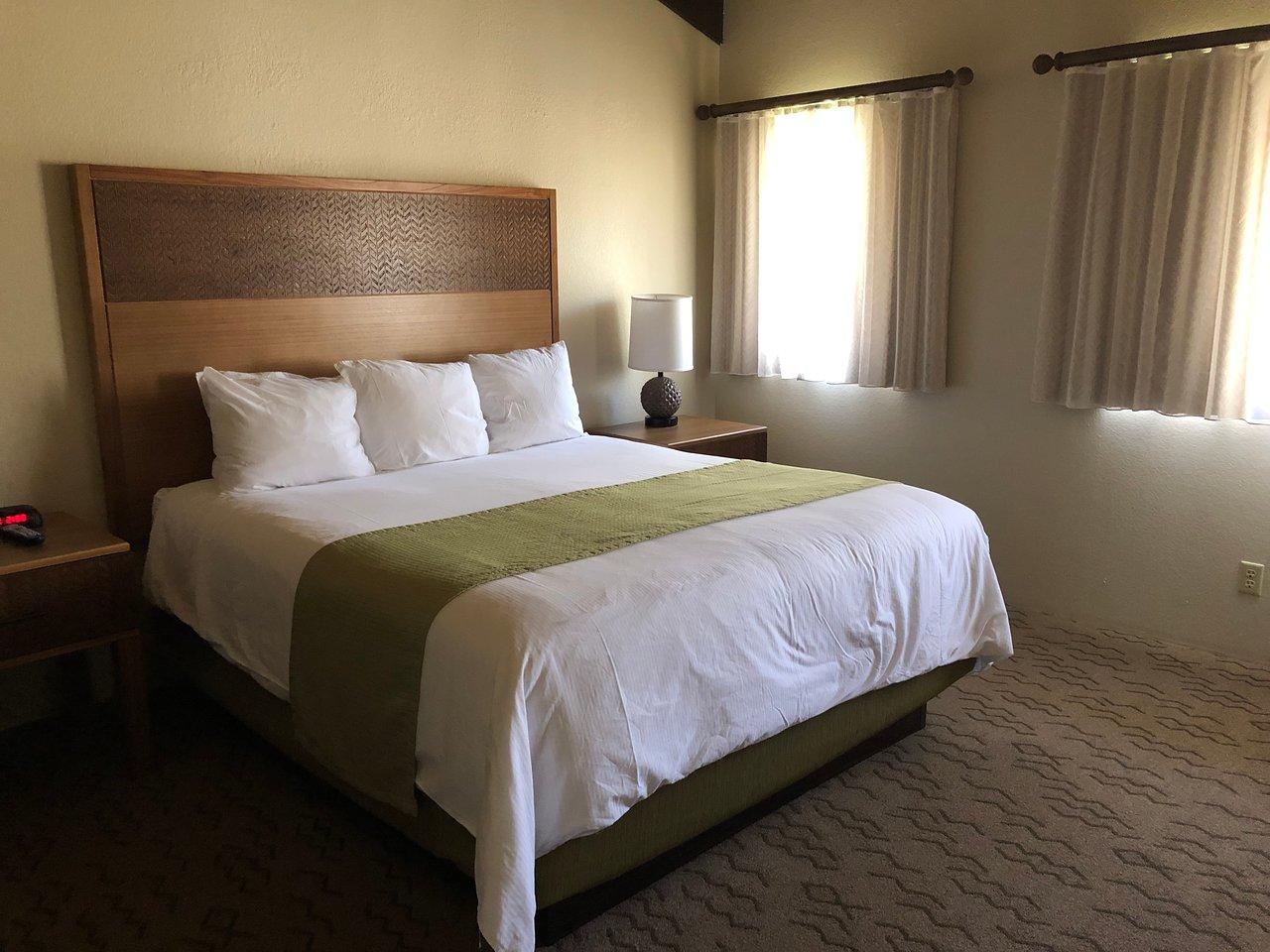 Kona Coast Resort Single Bed