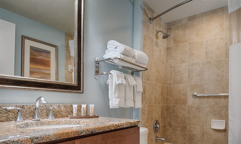 Club Wyndham National Harbor Bathroom
