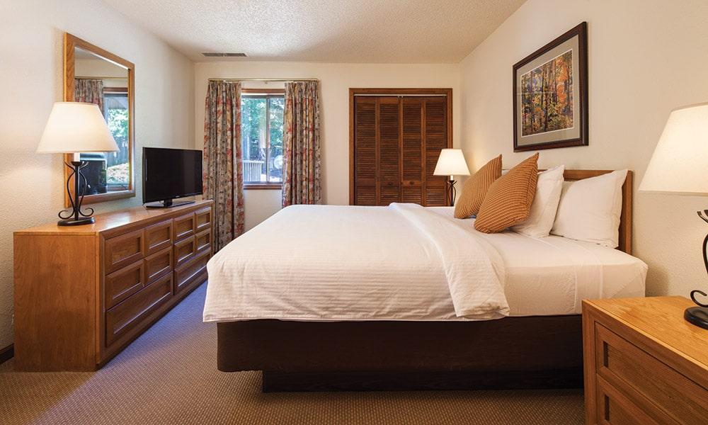 Club Wyndham Resort at Fairfield Mountains Bed