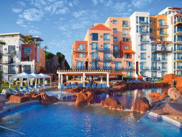 El Cid Marina Beach Hotel and Yacht Club Exterior