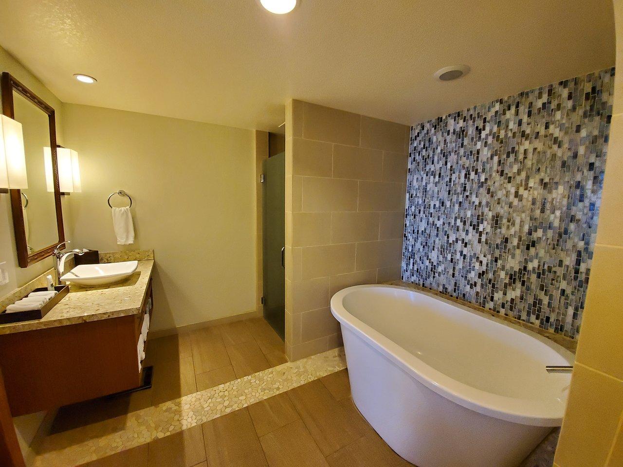 Hyatt Kaanapali Beach Bath Tub