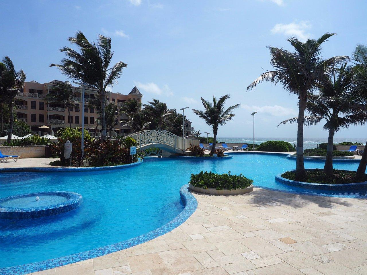 The Crane Resort Blue Pool