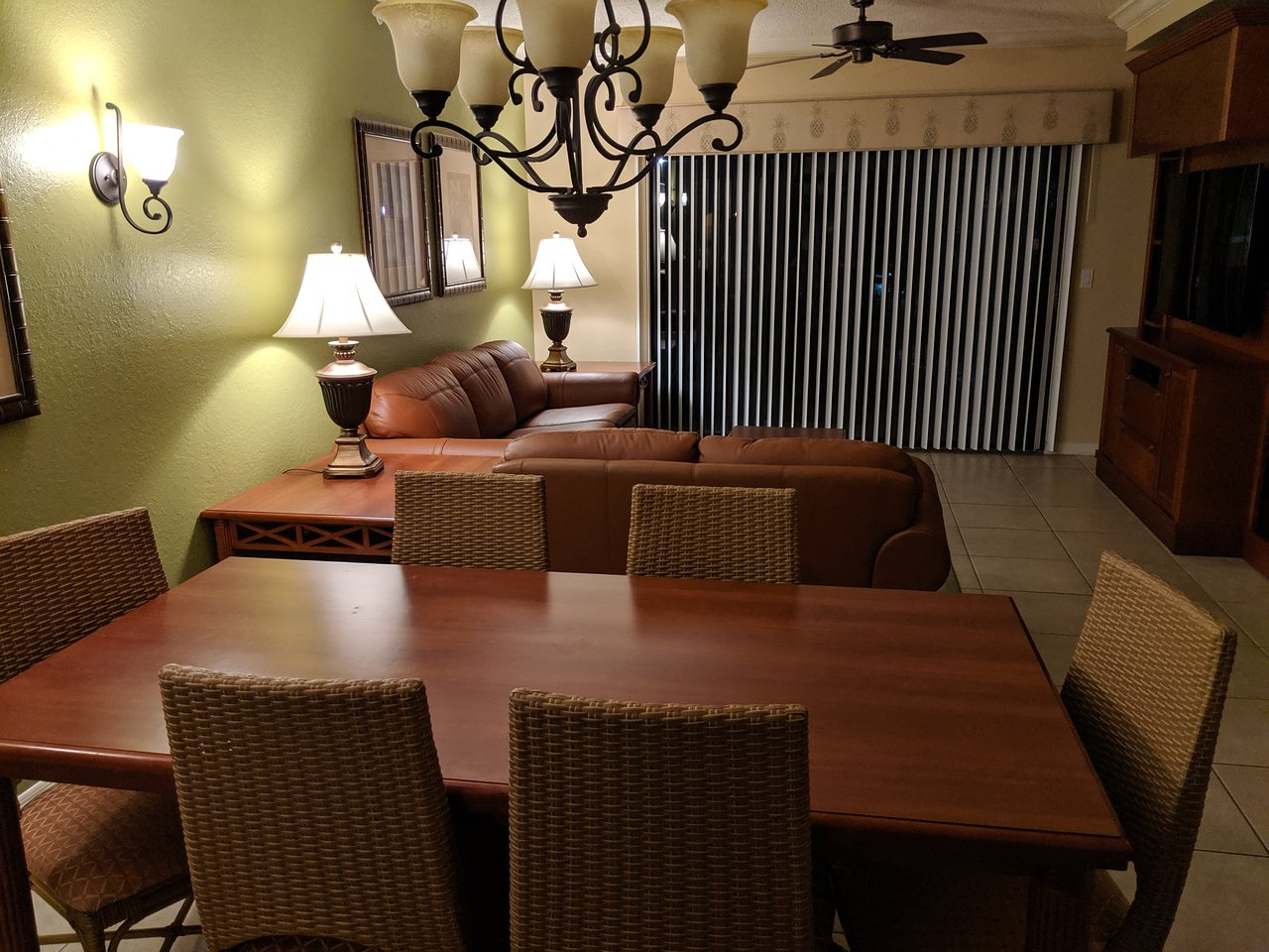 Westgate Lakes Resort and Spa Dining