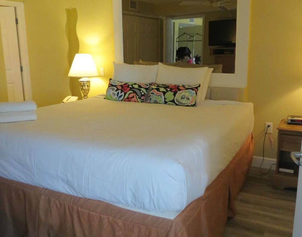 Catalina Beach Club Bedroom